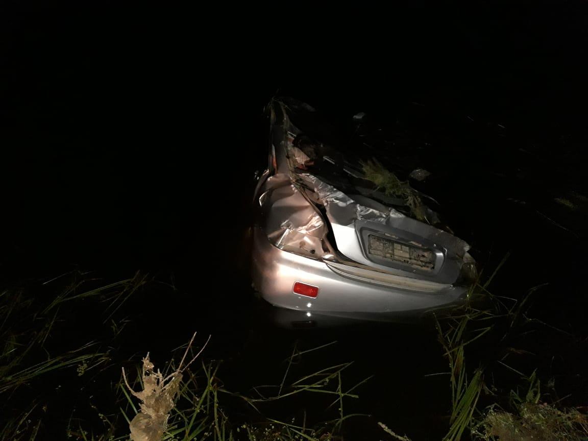 В Менделеевском районе водитель и пассажир иномарки сорвались с моста и едва не утонули в реке Тойма (ФОТО)