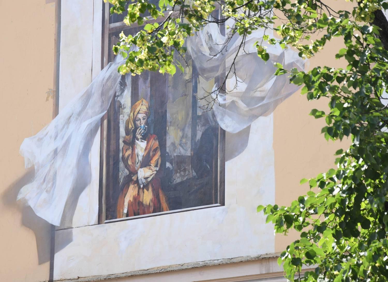 «Окна в прошлое». Старый дом в центре Казани стал новым арт-объектом (ФОТО)