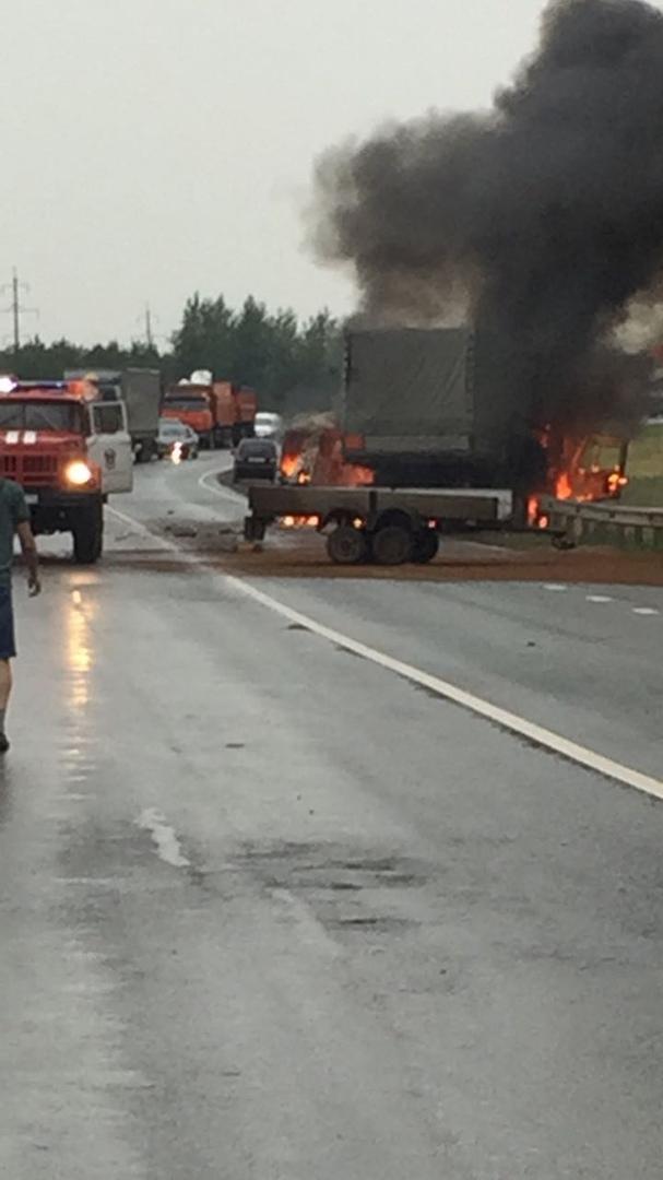 В Татарстане на трассе М7 столкнулись и загорелись УАЗ и Ford. Погибли 4 человека. (ФОТО)