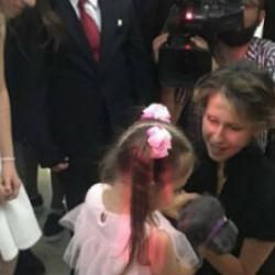 Супруга Башара Асада сделала подарок дочке казанского капитана, погибшего в Сирии