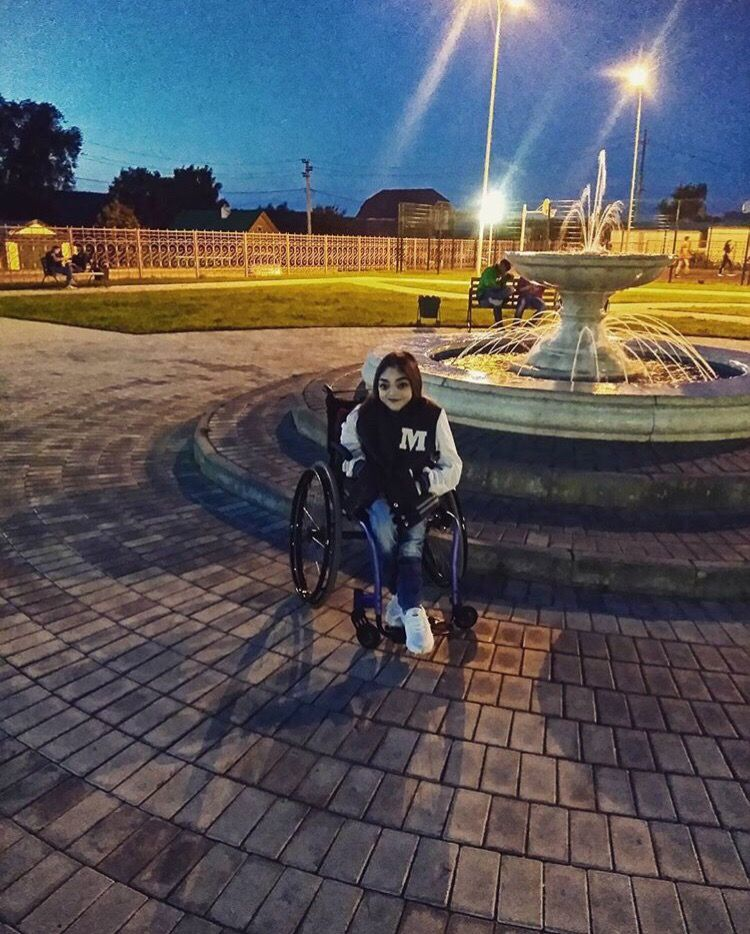 В Набережных Челнах у блогера-инвалида украли коляску, которую она ждала 5 лет (ФОТО)