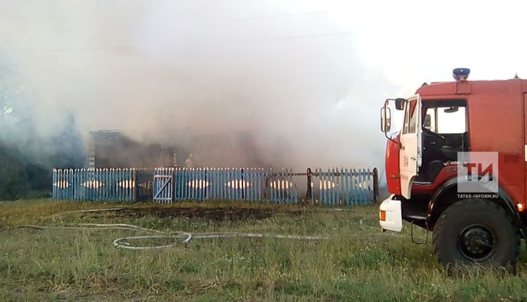 В Дрожжановском районе РТ из-за непотушенной сигареты сгорел дом вместе с хозяином (ФОТО)
