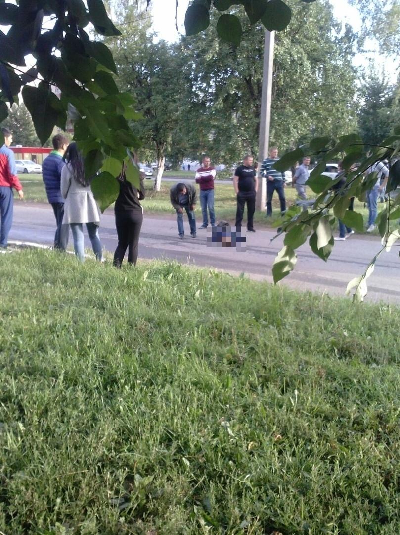 В Нижнекамске насмерть сбили ребенка, а утром на этом месте появилась «зебра» (ФОТО, ВИДЕО)