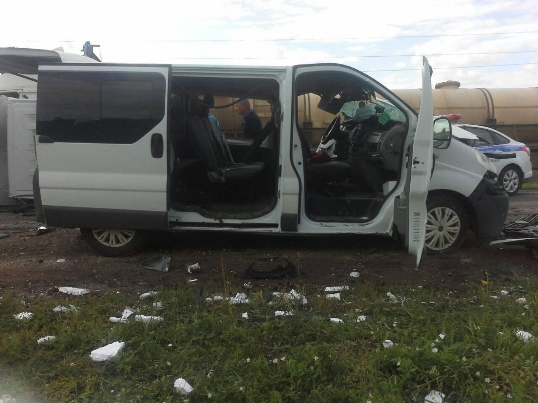 «Газель» собрала массовое ДТП с автокраном и автобусом в Татарстане (ФОТО)