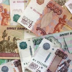 Долги россиян растут в два раза быстрее их зарплат — МЭР