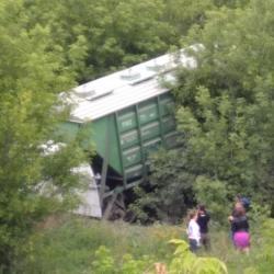В Челнах под грузовым составом рухнул мост (ВИДЕО)