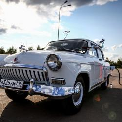 На Свияжские холмы приехали ретро-автомобили со всего мира