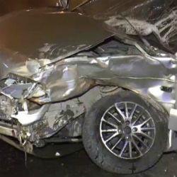 В центре Казани легковушка вылетела на «красный» и снесла два автомобиля