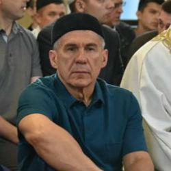 Президент РТ принял участие в праздничном богослужении в честь Курбан-байрама в Галеевской мечети