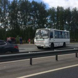В Казани в столкновении автобуса и легковушки пострадали люди