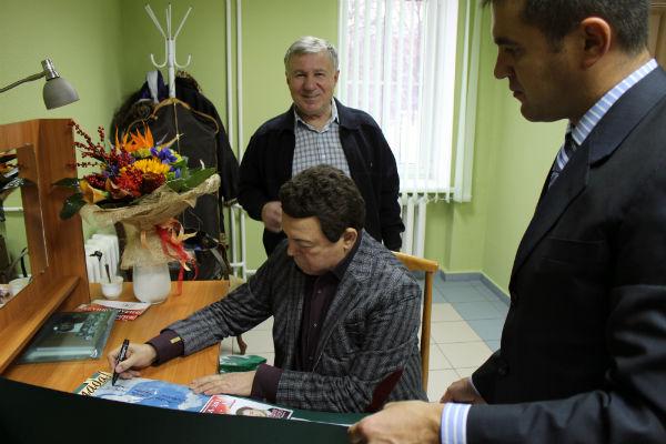 Памяти великого певца… Исторические ФОТО Иосифа Кобзона в Татарской филармонии