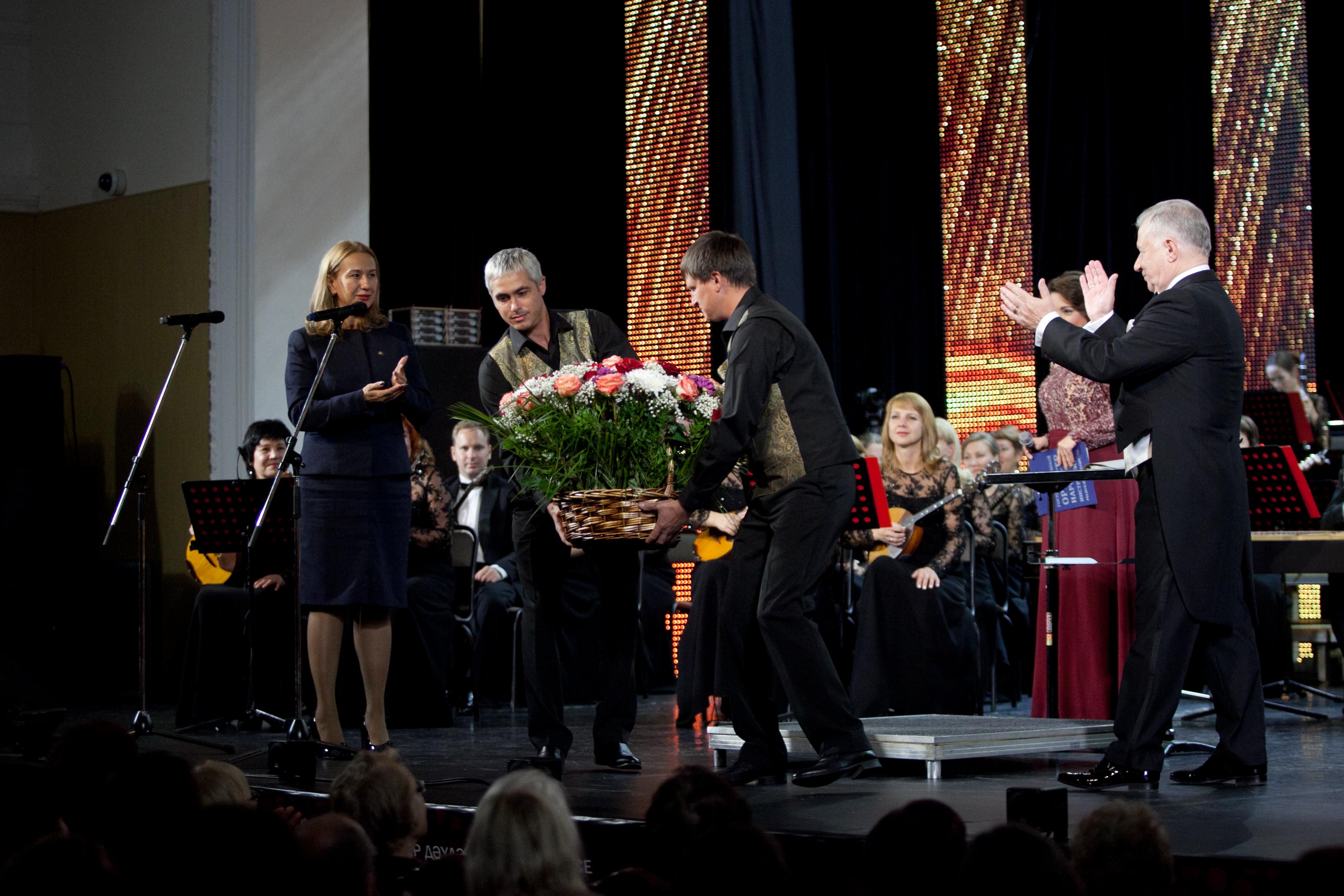 Татарская государственная филармония открыла сезон юбилейным концертом Государственного оркестра народных инструментов (ФОТО)