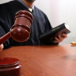 Суд наказал челнинца, который хотел застрелиться из пистолета полицейского