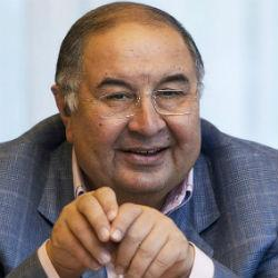 Бизнесмен Алишер Усманов награжден орденом «Дуслык»