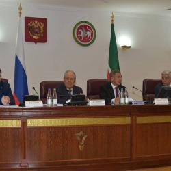 Минниханов заявил о миллиардном ущербе от коррупции в Татарстане