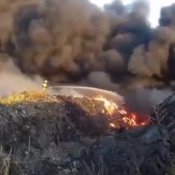 В Нижнекамске загорелась промышленная свалка (ВИДЕО)
