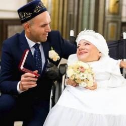 Известная казанская поэтесса Лилия Салахутдинова вышла замуж  (ФОТО)