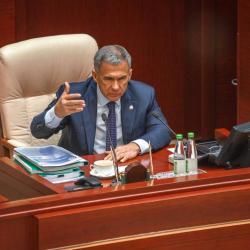 Рустам Миниханов призвал «донести до наших граждан» пользу налога для самозанятых