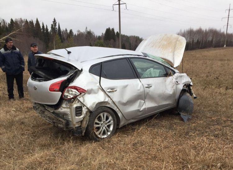 В Татарстане в вылетевшей в кювет легковушке погибли две девушки (ФОТО)