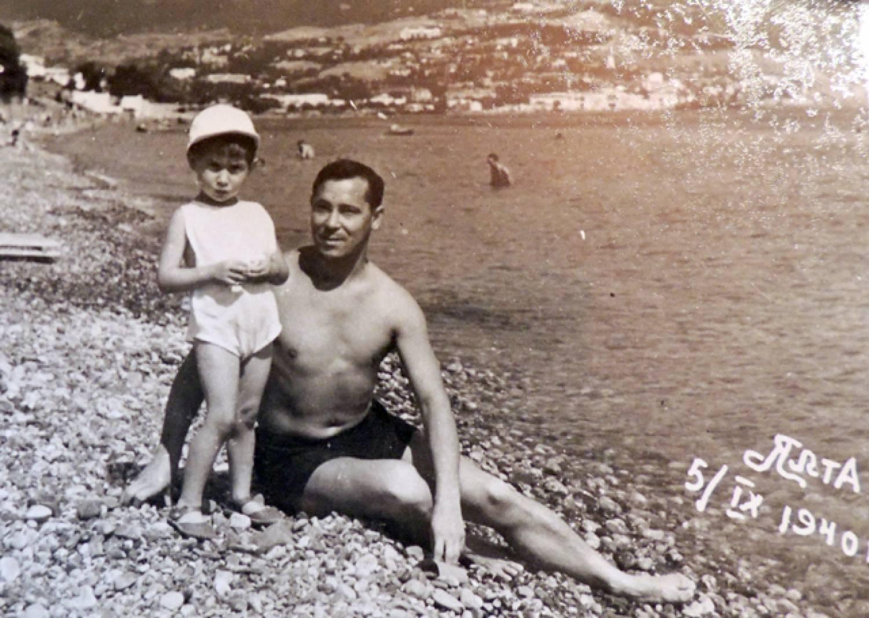 Каким Муса Джалиль был на отдыхе, в кругу друзей и в окружении семьи. Уникальные ФОТОграфии