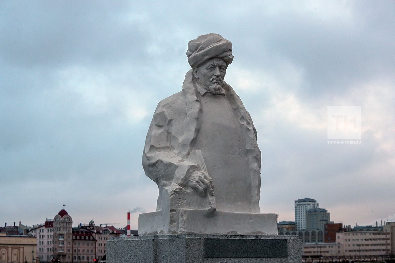В Казани установили первый в мире памятник Шигабутдину Марджани (ФОТО)