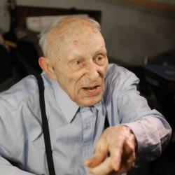 Угроза убийством. Следствие ищет коллекторов, обещавших наказать 92-летнего ветерана
