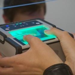 Эксперт оценил использование биометрии для регистрации мигрантов в России