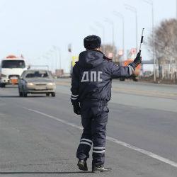После полицейской погони со стрельбой водитель УАЗа пытался скрыться в лесу