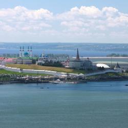 Рустам Минниханов хочет строить открытые бассейны на берегу Казанки