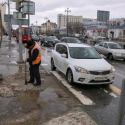 «Страшно подумать, что будет зимой»: казанцы жалуются на качество противогололедных реагентов