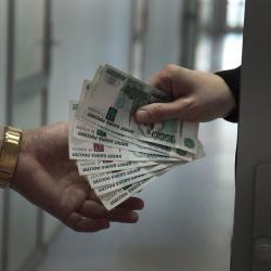 Социологи: каждый второй татарстанец готов дать взятку