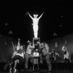 Спектакль театра Кариева «Удивительное путешествие кролика Эдварда» стал победителем в номинации «Лучший спектакль для юного зрителя»