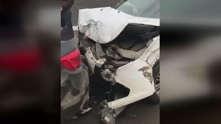 В Казани водителю стало плохо за рулем, он протаранил несколько авто и позже умер в больнице (ФОТО, ВИДЕО)