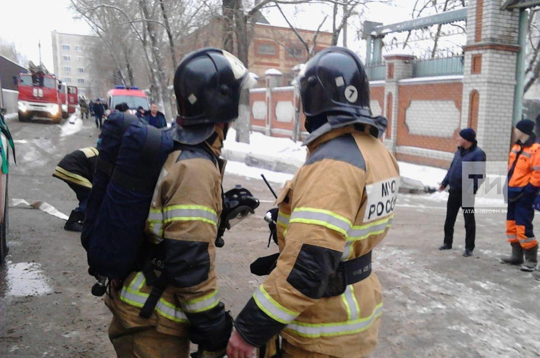 Газомоторное оборудование позволило избежать взрыва при горении автобуса в казанском гараже (ФОТО)