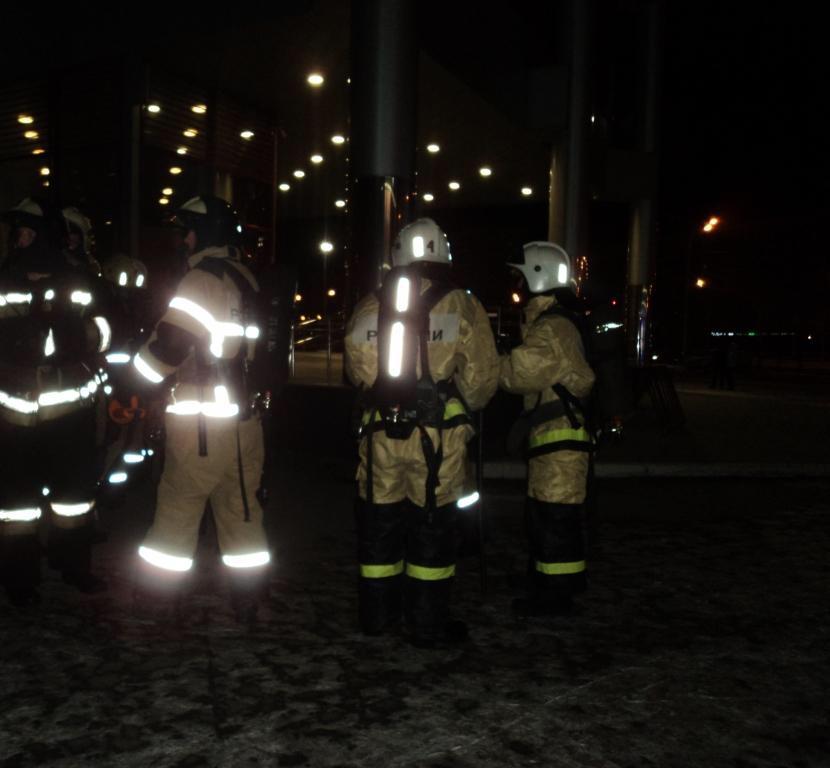 Из казанского торгового центра «Тандема» эвакуировали 100 человек (ФОТО)