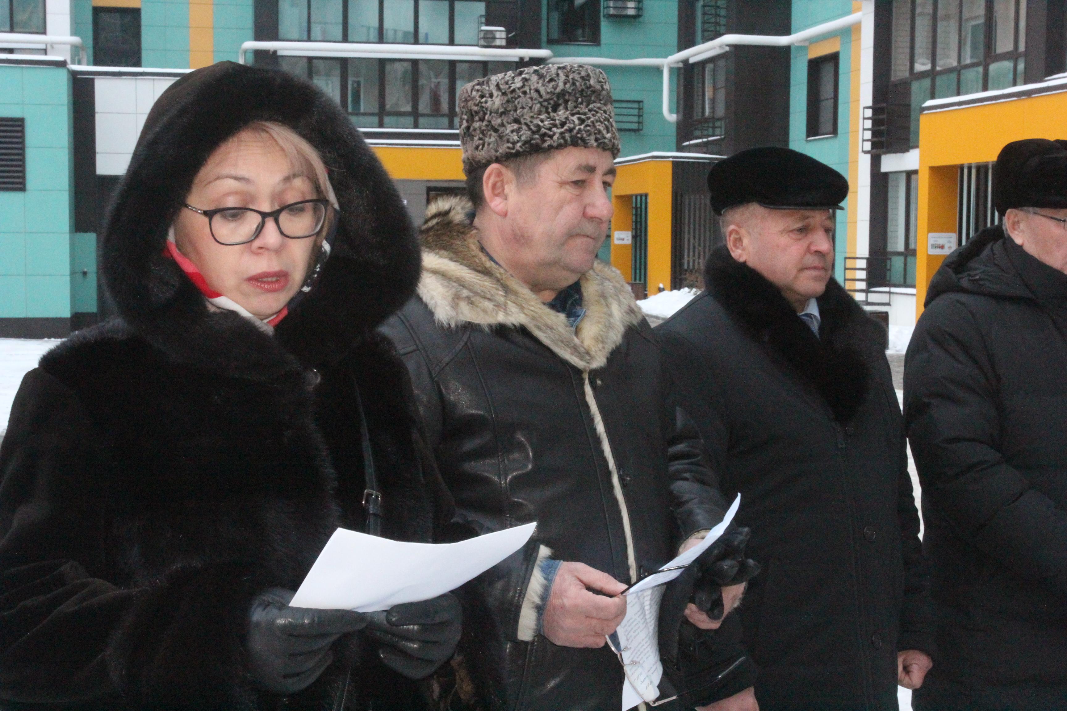В Казани простились с поэтом Рустамом Закуановым (ФОТОРЕПОРТАЖ)