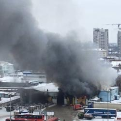 На станции в Казани сгорел автобус: «взорвалось что-то несколько раз и сверкало» (ВИДЕО)