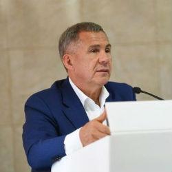 Минниханов отреагировал на просьбы застрявших в Китае татарстанских туристов