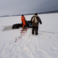 В Татарстане под лед провалился рыбак на мотовездеходе (ФОТО)