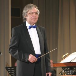 Сегодня исполняется 75 лет выдающемуся музыканту и дирижеру Рустэму Утэю!