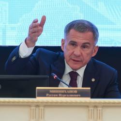 Рустам Минниханов призвал оградить самозанятых от излишних проверок