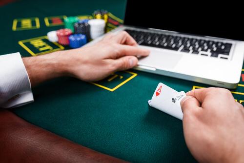 Казино Вулкан дает возможность играть на реальные деньги